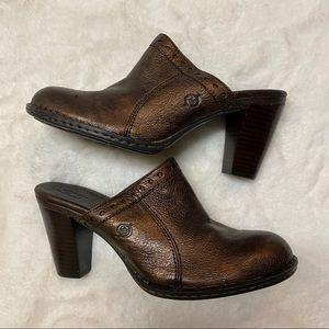 Born Leather Metallic Clogs Size 8